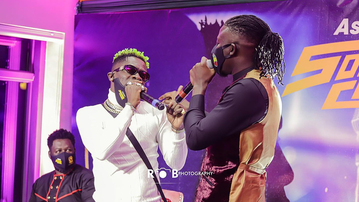 video-watch-stonebwoys-reaction-after-shatta-wale-called-him-a-cripple-at-asaase-radio-sound-clash