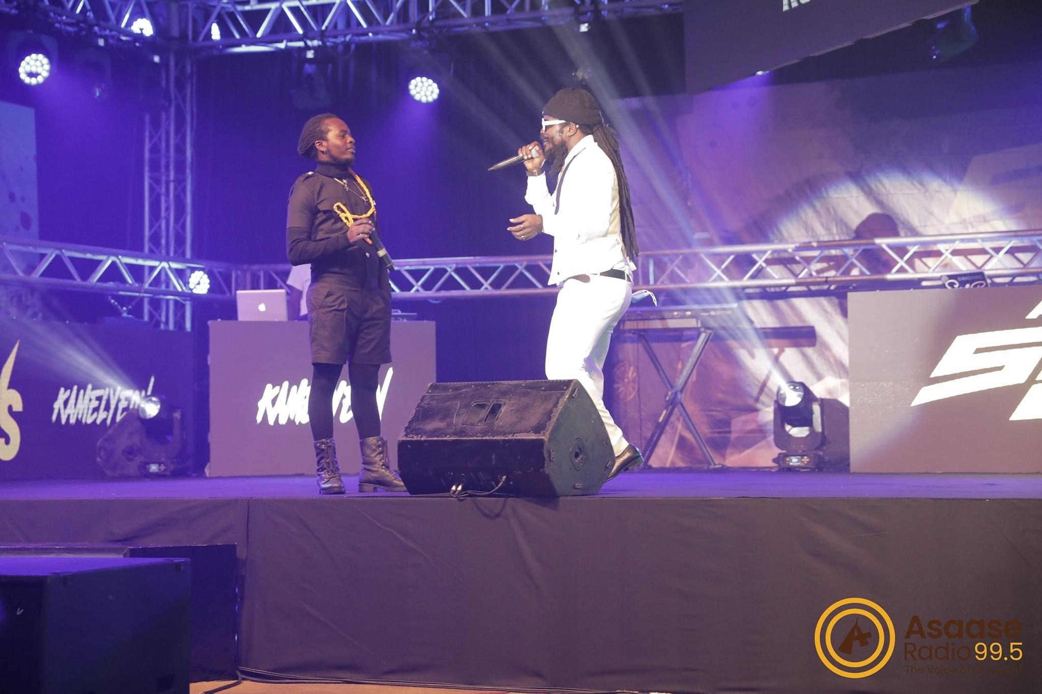 video-watch-the-moment-raskuuku-felt-down-on-stage-while-having-a-clash-with-kamelyeon-at-asaase-radio